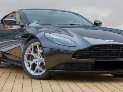 Aston Martin DB11 V8 4.0 biturbo 510 CV