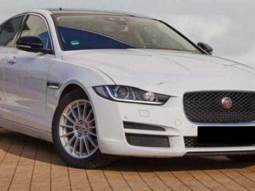 Jaguar XE E-Performance Prestige