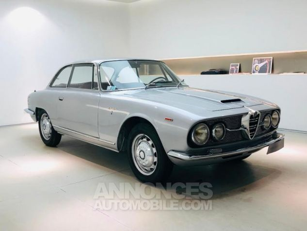 Alfa Romeo 2600 COUPE SPRINT Gris Clair Occasion - 6