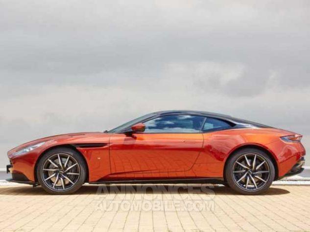 Aston Martin DB11 TOUCHTRONIC III  Cinnabar Orange metal Direction - 3