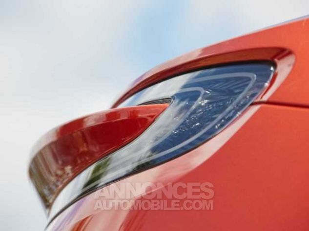 Aston Martin DB11 TOUCHTRONIC III  Cinnabar Orange metal Direction - 11