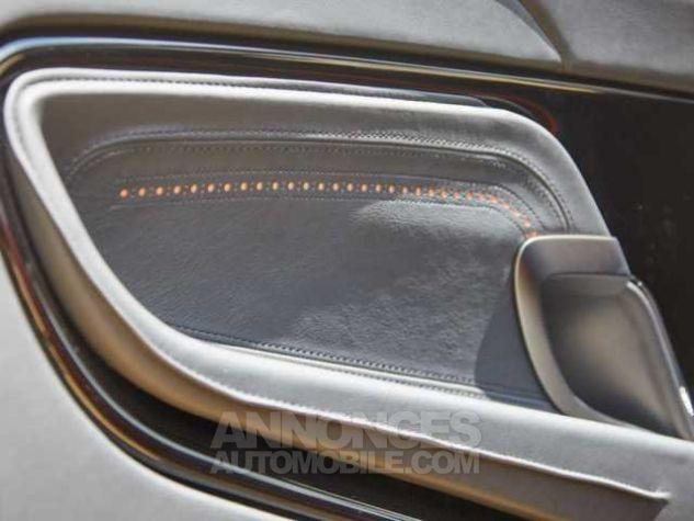 Aston Martin DB11 TOUCHTRONIC III  Cinnabar Orange metal Direction - 17