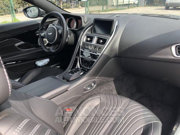 Aston Martin DB11 V12 gris Occasion - 9