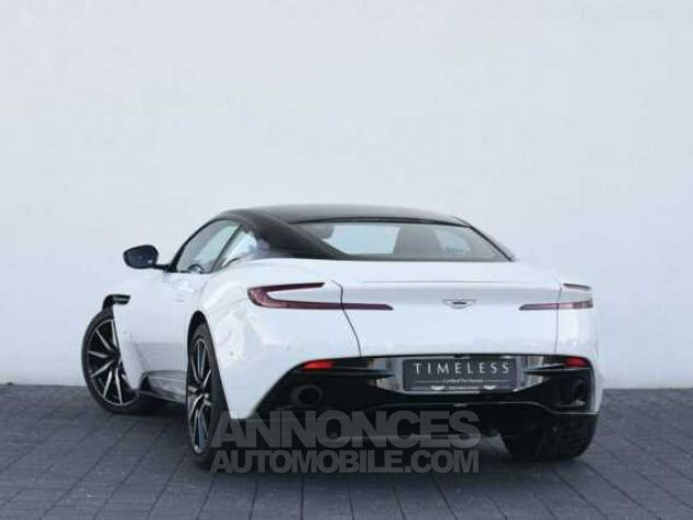 Aston Martin DB11 V12 Touchtronic Lunar White Direction - 1