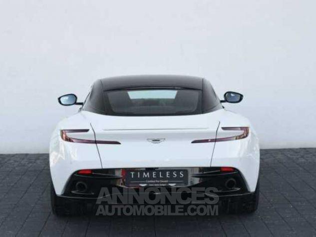 Aston Martin DB11 V12 Touchtronic Lunar White Direction - 3