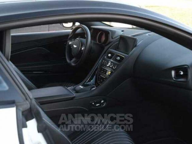 Aston Martin DB11 V12 Touchtronic Lunar White Direction - 5