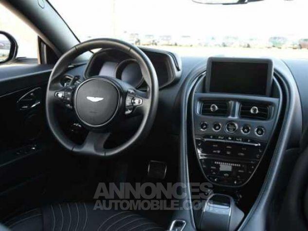 Aston Martin DB11 V12 Touchtronic Lunar White Direction - 18
