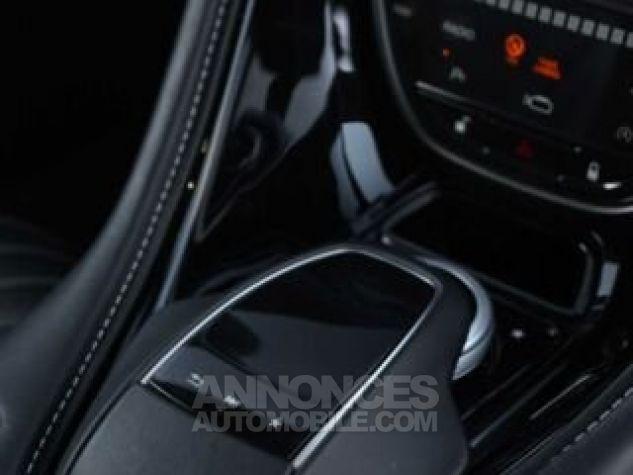 Aston Martin DB11 V12 Touchtronic Lunar White Direction - 19