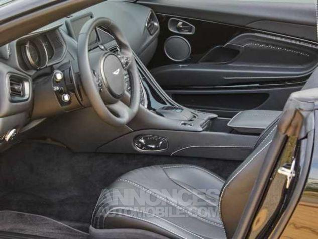 Aston Martin DB11 V8 VOLANTE Onyx Black métal Direction - 11
