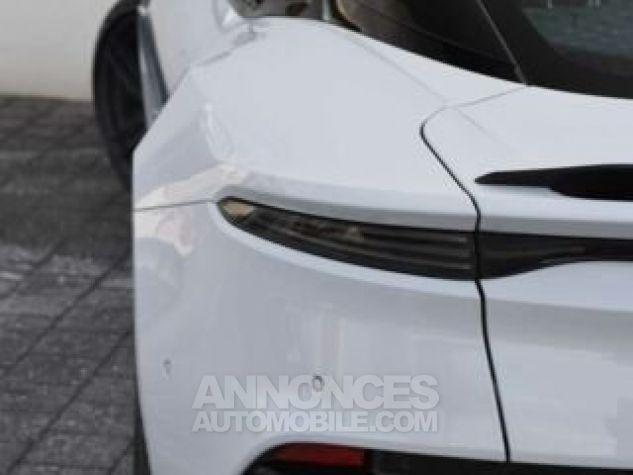 Aston Martin DBS SUPERLEGGERA Design Dynamic Futurist White Stone Occasion - 6