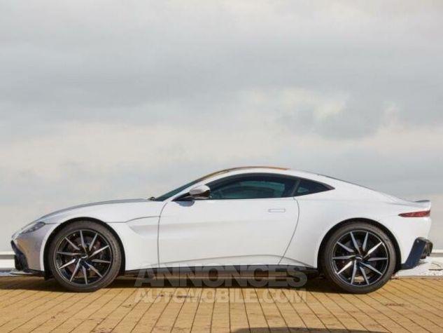 Aston Martin V8 Vantage New Model  White stone Occasion - 3