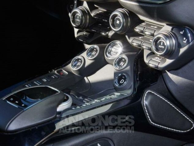 Aston Martin V8 Vantage New Model  White stone Occasion - 14