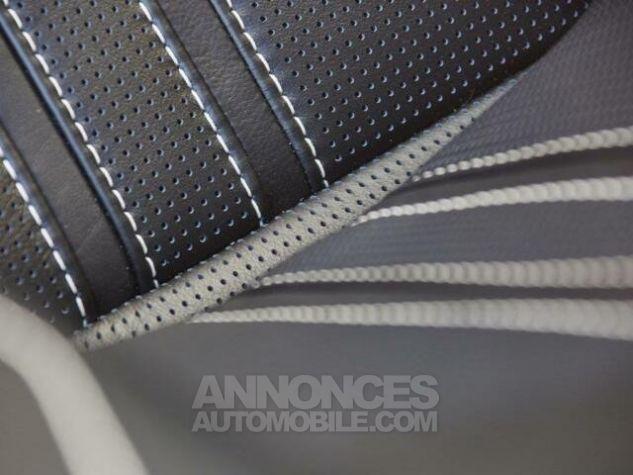 Aston Martin V8 Vantage New Model  White stone Occasion - 16