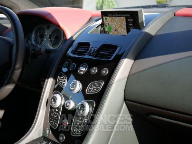 Aston Martin V8 Vantage SPORTSHIFT Morning Frost white Direction - 7