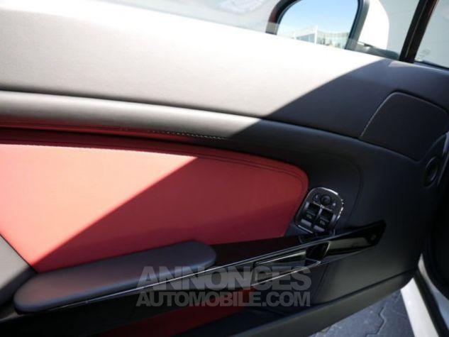 Aston Martin V8 Vantage SPORTSHIFT Morning Frost white Direction - 10