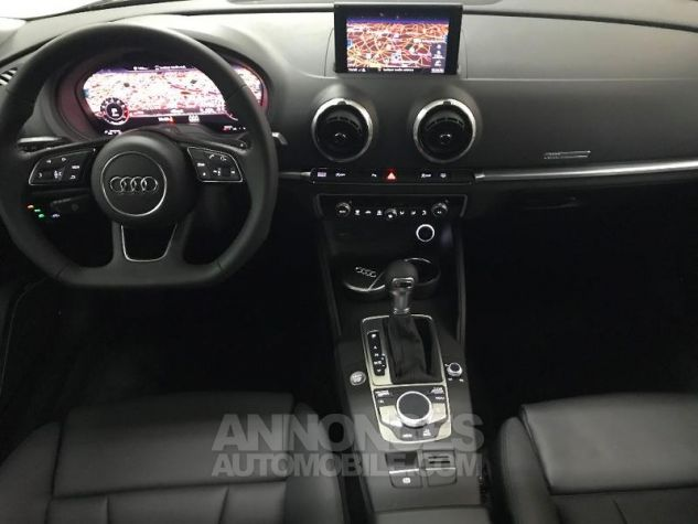 Audi A3 Sportback 35 TFSI 150ch CoD Design luxe S tronic 7 Euro6d-T GRIS MOUSSON METALLISE Occasion - 1