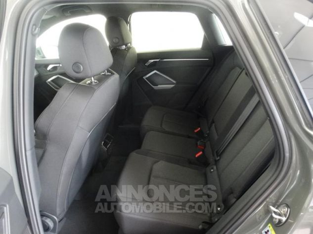 Audi Q3 35 TFSI 150ch S line S tronic 7 GRIS CHRONOS Neuf - 6