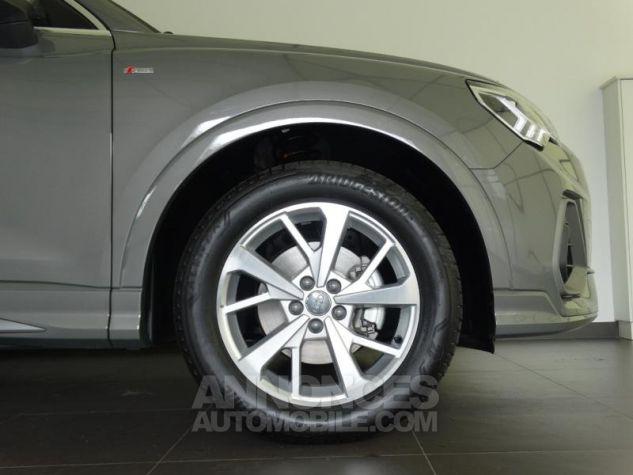 Audi Q3 35 TFSI 150ch S line S tronic 7 GRIS CHRONOS Neuf - 7