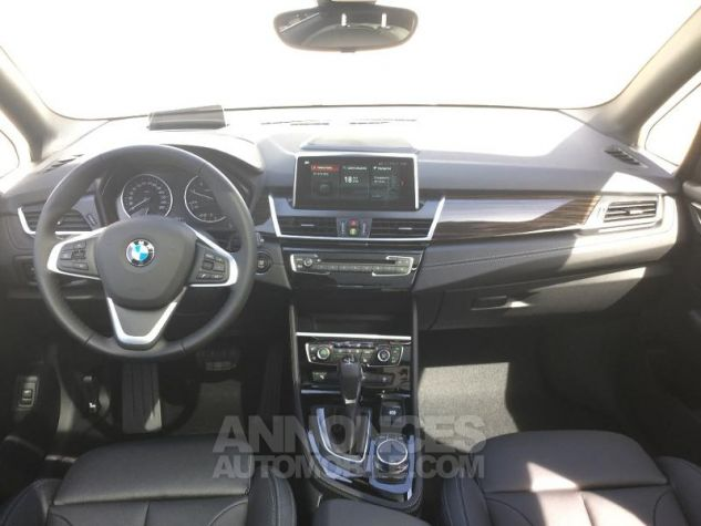BMW Série 2 216dA 116ch Luxury Saphirschwarz Métal Occasion - 3