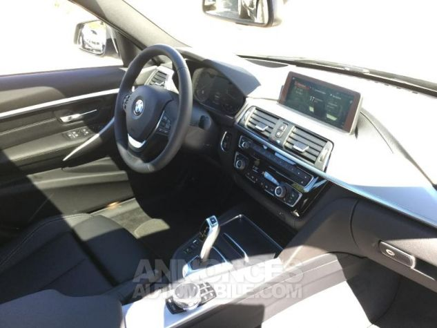 BMW Série 3 318dA 150ch Luxury Glaciersilber métallisée Occasion - 2
