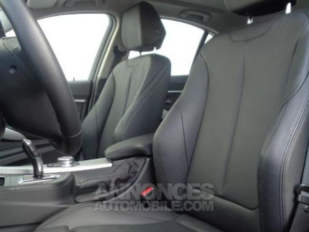 BMW Série 3 318dA 150ch Luxury Saphirschwarz metallise Occasion - 10