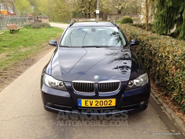 BMW Série 3 330 XD Luxe Touring Bleu nuit Occasion - 1