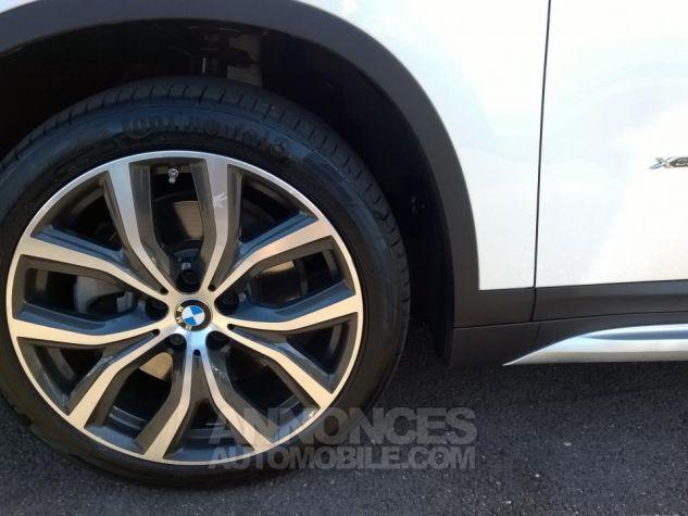BMW X1 XDRIVE 25D 231 CH BVA8 xLine Blanc Occasion - 11