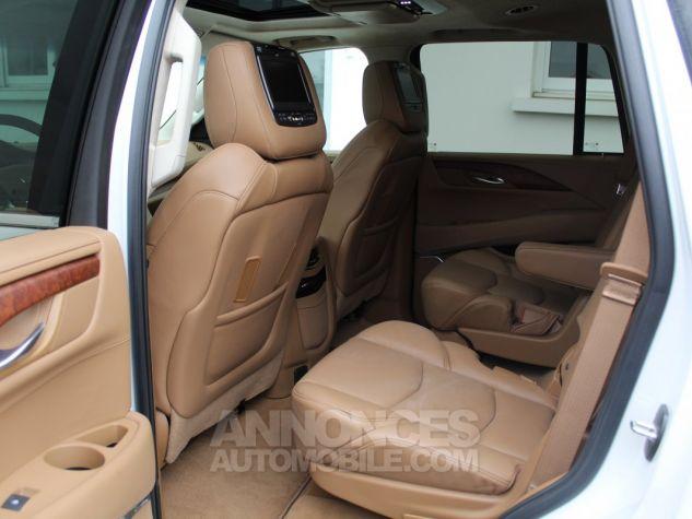 Cadillac ESCALADE 6.2L V8 425 CV PLATINUM Blanc Nacre Neuf - 7