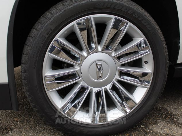 Cadillac ESCALADE 6.2L V8 425 CV PLATINUM Blanc Nacre Neuf - 13