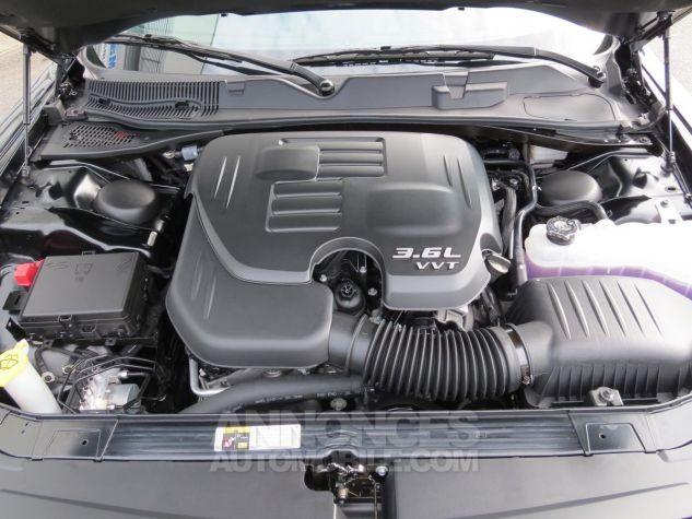 Dodge Challenger  SXT Plus V6 2018 Noire Neuf - 12