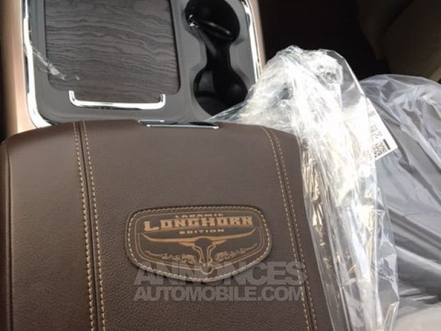 Dodge RAM 1500 CREW CAB LONGHORN 2017 NOIR METAL Neuf - 4