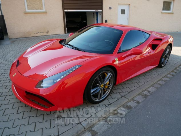 Ferrari 488 GTB, Lift System, Sièges Racing, Caméras, Carbone, JBL ROSSO SCUDERIA Occasion - 1