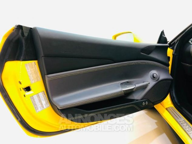 Ferrari 488 GTB V8 3.9 T 670ch Jaune Occasion - 7