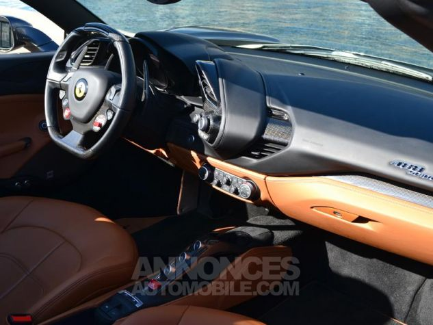 Ferrari 488 Spider V8 3.9 T 670ch Gris / Griogio Silverstone Occasion - 5