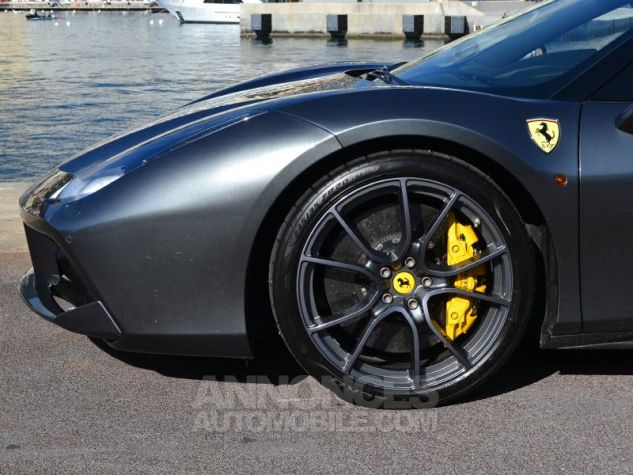 Ferrari 488 Spider V8 3.9 T 670ch Gris / Griogio Silverstone Occasion - 6