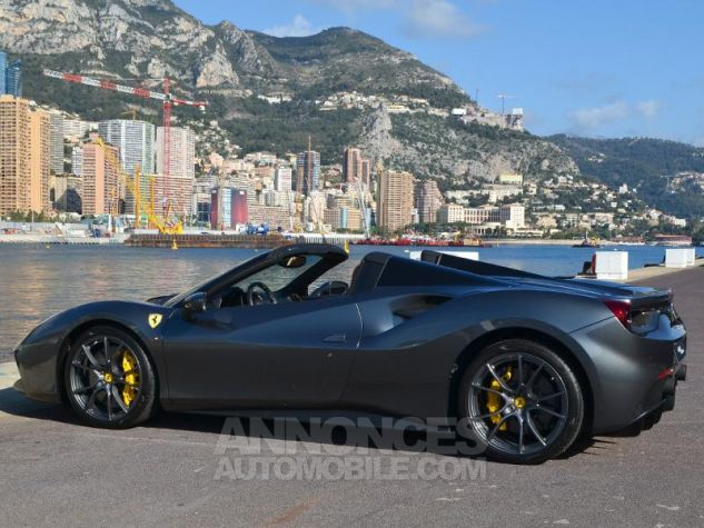 Ferrari 488 Spider V8 3.9 T 670ch Gris / Griogio Silverstone Occasion - 8