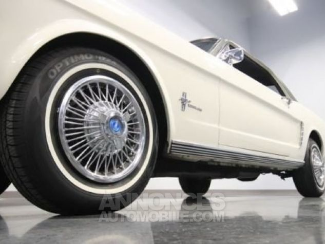 Ford Mustang 1965 Blanc Occasion - 7
