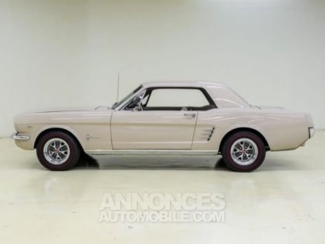 Ford Mustang 1966 Sahara beige Occasion - 0