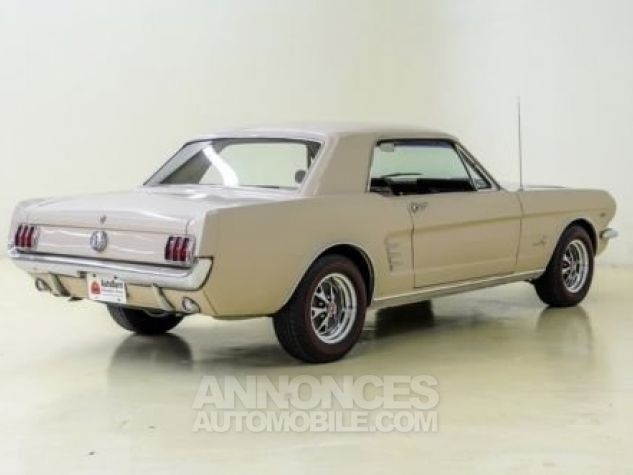 Ford Mustang 1966 Sahara beige Occasion - 3