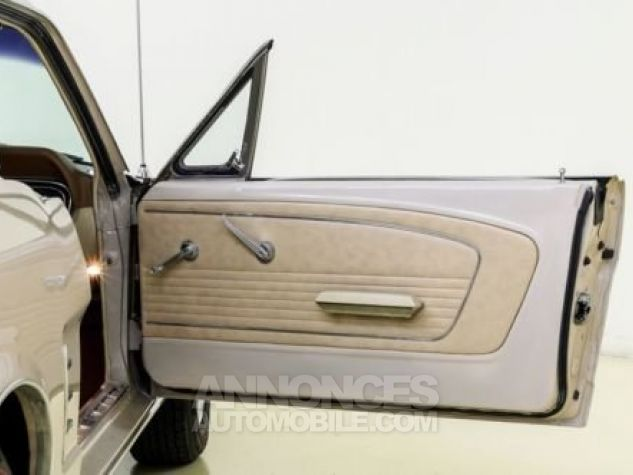 Ford Mustang 1966 Sahara beige Occasion - 6