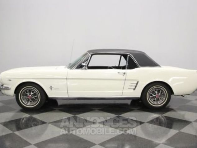 Ford Mustang 1966 Blanc Occasion - 0