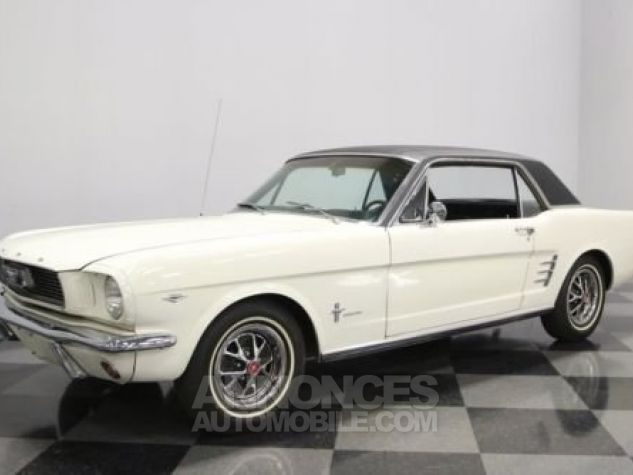 Ford Mustang 1966 Blanc Occasion - 4