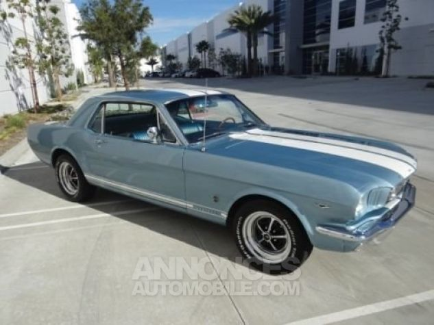 Ford Mustang 1966 Bleu Occasion - 1