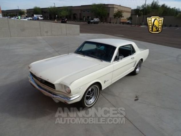 Ford Mustang 1966 Blanc Occasion - 2