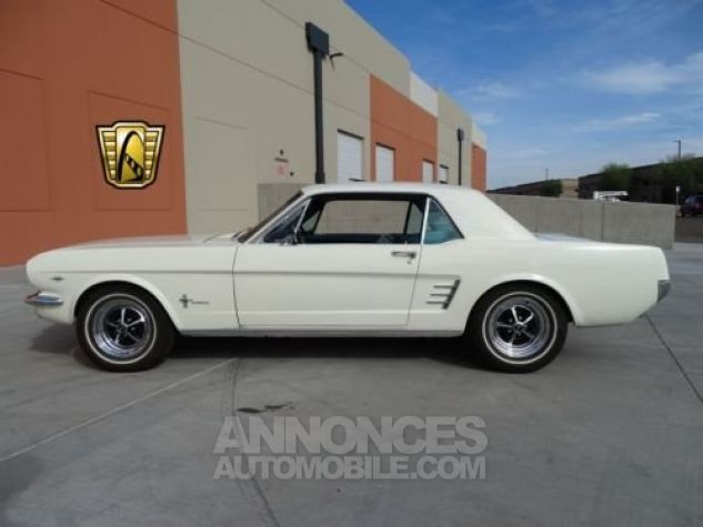 Ford Mustang 1966 Blanc Occasion - 7