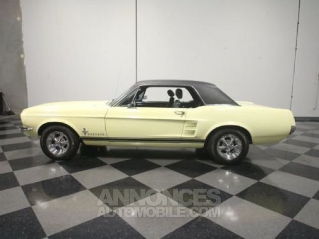 Ford Mustang 1967 Jaune Occasion - 0