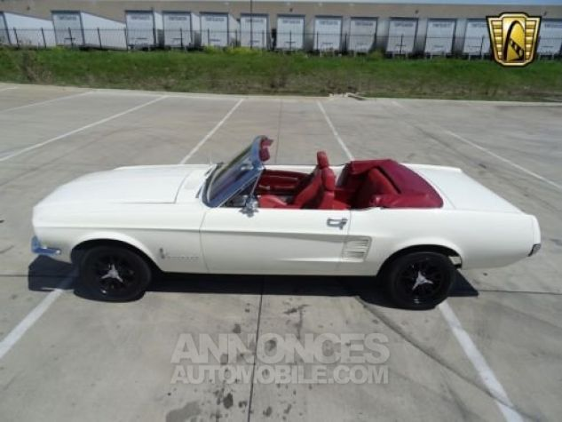 Ford Mustang 1967 Blanc Occasion - 3