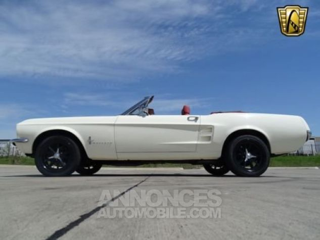Ford Mustang 1967 Blanc Occasion - 4