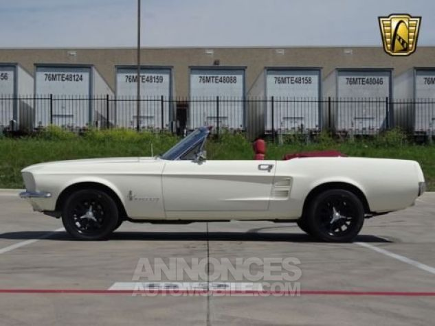 Ford Mustang 1967 Blanc Occasion - 5