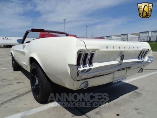 Ford Mustang 1967 Blanc Occasion - 7